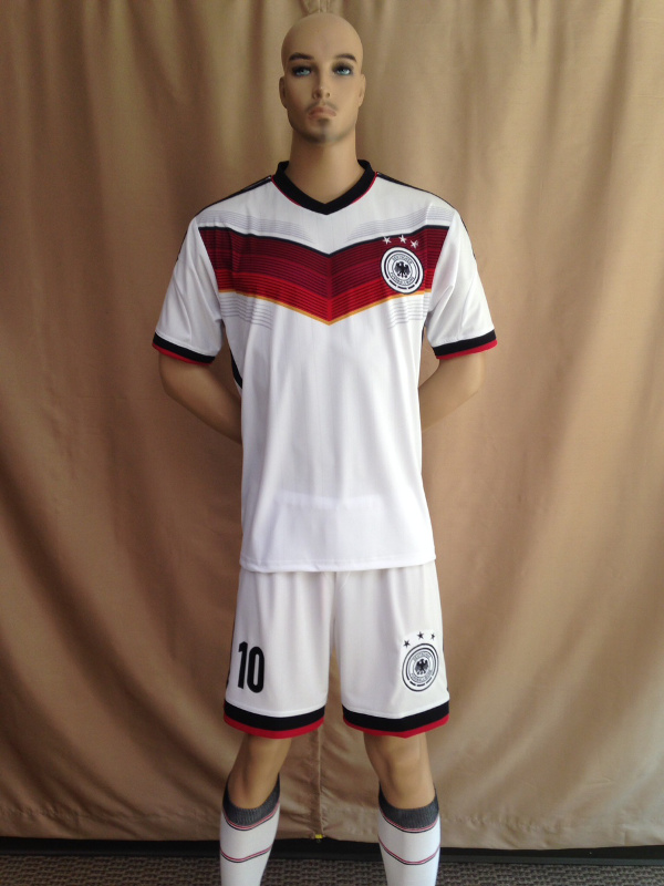 Uniforme Alemania Local 2013-2014